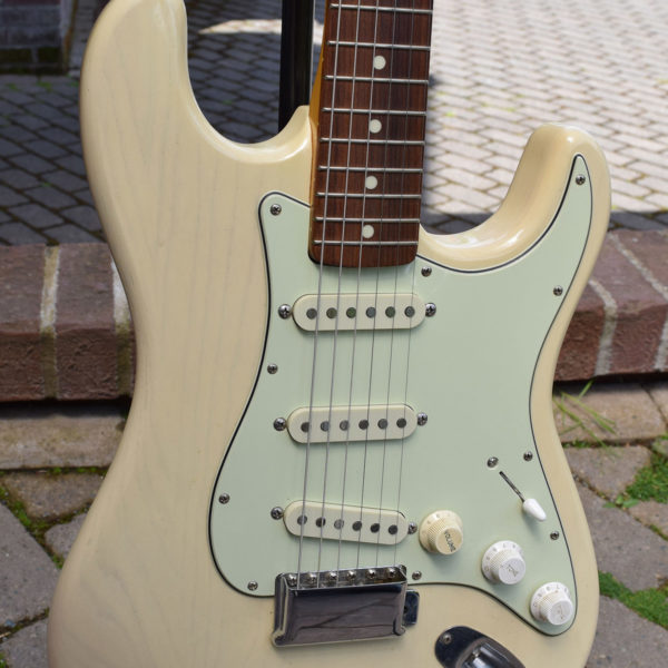 1962-fender-stratocaster-replica-vintage-guitar-village-music-seattle-3